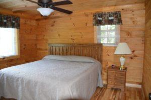 bedroom in Escape log cabin