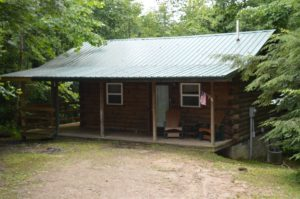 exterior of Nature's Paradise log cabin rental in Hocking Hills