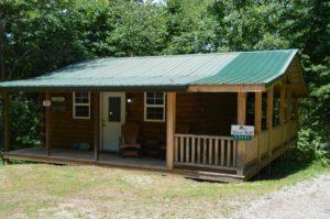 exterior of Silverwolf log cabin rental in Hocking Hills