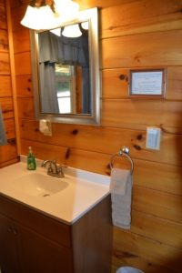 bathroom in Hocking Hills log cabin rental