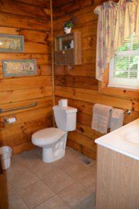 bathroom in Yesteryear log cabin